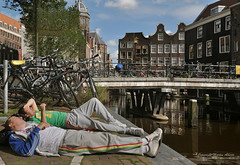 Everybody has a summer holiday... (martin alberts1) Tags: amsterdam niceshot canals grachten sintnicolaaskerk 1012 wallen amsterdamredlightdistrict unescoworldheritagelist beautifulphoto oudezijdskolk ozvoorburgwal amsterdampictures martinalberts fotosamsterdam postcode1012
