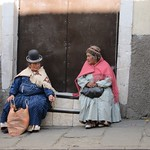 "Cholitas <a style=""margin-left:10px; font-size:0.8em;"" href=""http://www.flickr.com/photos/14315427@N00/6160937591/"" target=""_blank"">@flickr</a>"