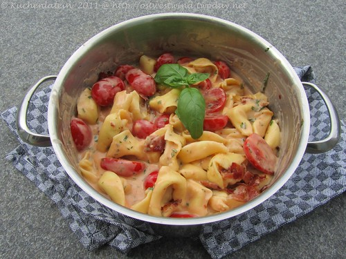 Tortelloni-Topf mit Tomate und Basilikum 001