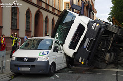 Umgestürzter Lkw Rheinstraße 10.08.11