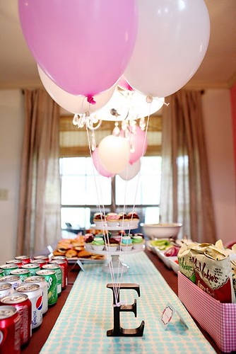 ellas-first-birthday via karas party ideas
