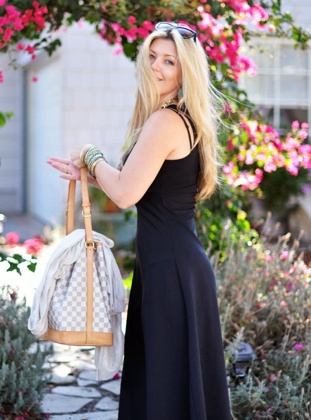 black maxi+ vintage jewelry+louis vuitton bag