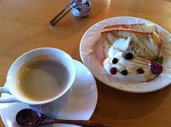 R Cafe プレーンシフォンとコーヒー