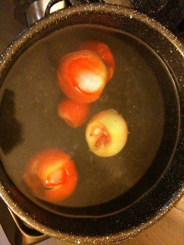 Blanching the tomatoes (1st the boil)