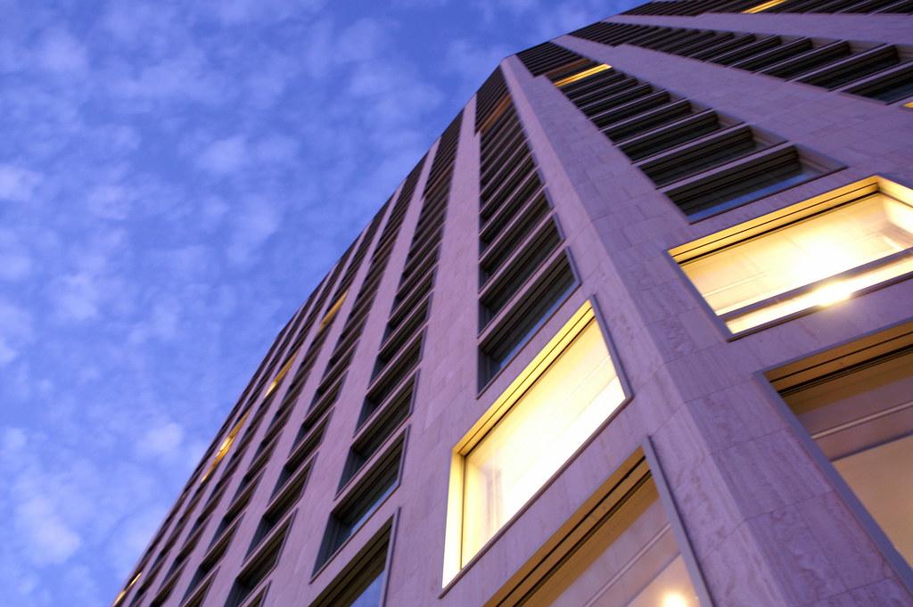 Renaissance zurich mobimo tower designhotel opening for Hotel design zurich