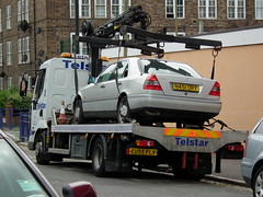Telstar Streetlifter (kenjonbro) Tags: 2005 uk london c220 silver greenwich 1996 renault mercedesbenz automatic council takeaway expired contractor recovery flatbed renaulttrucks unlicenced fujihs10 roadtaxevasion telstarrecovery amcoveba streetliftercrane 80972s