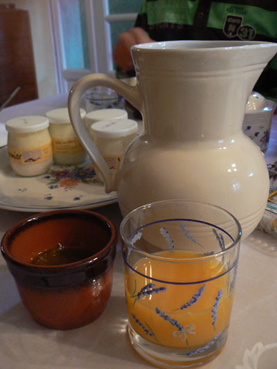 carafe et jus d'orange.jpg
