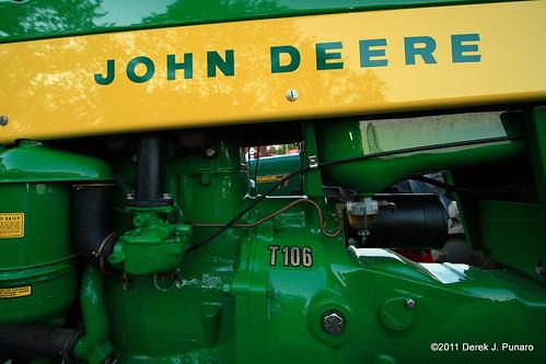 Deere T106