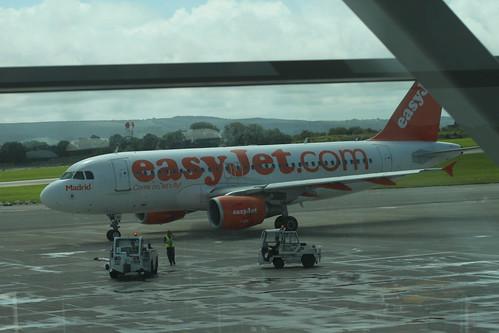 easyJet A319 G-EZBI 'Madrid' @ Bristol Airport