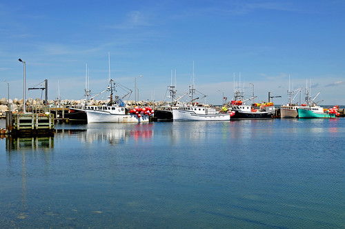 canada boats harbor town fishing nikon novascotia harbour free lobster dennis jarvis buoys d300 sealisland iamcanadian 18200vr clarksharbour freepicture 70300mmvr lighthouseroute dennisjarvis archer10 dennisgjarvis