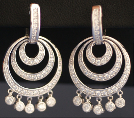 White Gold Concentric Earrings