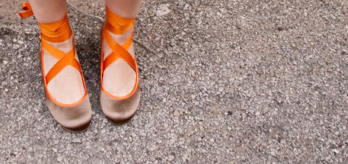 silvia tcherassi, flats, orange grosgrain ribbons, ballerina