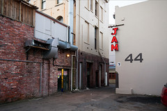 jam (Lester Ralph Blair) Tags: newzealand urban dusk alleyway wellington footpath tearo