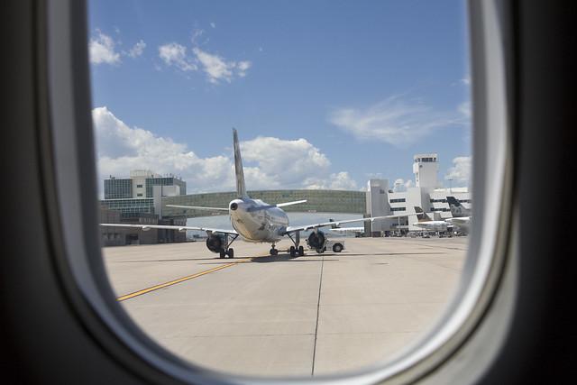 365.7 Plane on Runway at DIA