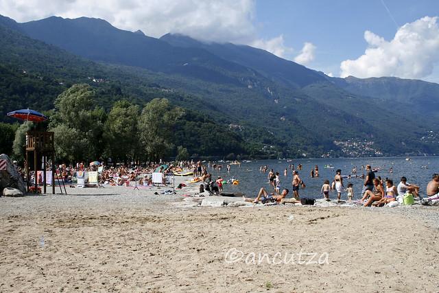 foto lido spiaggia Cannobio Lago Maggiore italia