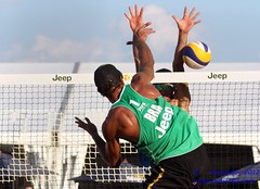 Moises Neilton Santos (BRA) (Danny VB) Tags: world city canada men beach sports sport ball de swatch athletic teams team sand women tour open jeep quebec ballon playa blocked tournament santos volleyball block athletes moises athlete plage volley challenge blocking ville equipe volleybal sillery volei mikasa pallavolo moiss joueur sportif voleibol sportive 2011 fivb  joueuse siatkwka tournois voleiboll volleybol  volleyboll voleybol  lentopallo siatkowka vollei neilton voleyboll silery palavolo volleibol volleiboll