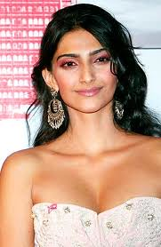 Sonam Kapoor Pictures Hot stills 1