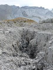 Faille pierre (ManuB.) Tags: summer mountain france montagne alpes landscape europe t paysage 74 flaine marche randonne hautesavoie