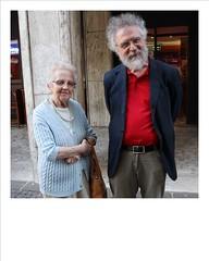 Giancarlo Rado e sua mamma... (kilometro 00) Tags: street italy portraits casa strada italia foto streetportrait persone occhi sguardo donne urbano poesia sorriso racconto ritratti ritratto treviso citt uomini luoghi emozioni veneto sguardi urbani emozione trevision