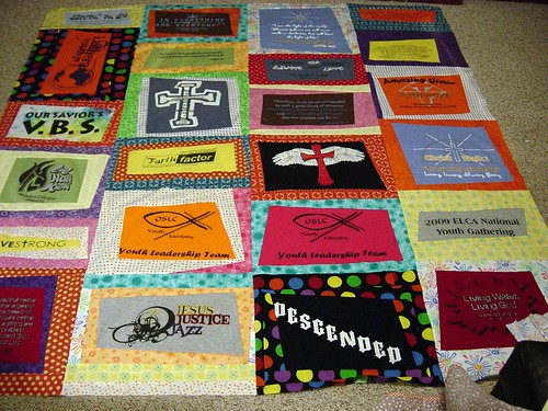 T shirt quilt, before borders by hammskaren