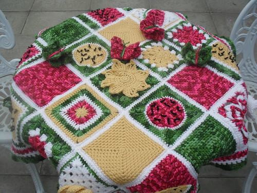Table top view of wiLDaBoUtCoLoR's 'Sunshine Blanket'.
