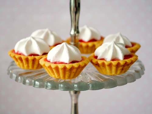 Mini strawberry meringue pies