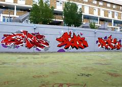 London_0474 (markstravelphotos) Tags: london graffiti games chrome rt ders stockwell