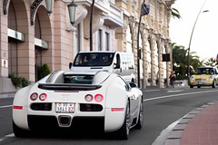 All White. (Alex Penfold) Tags: auto camera white france cars alex sports car sport mobile canon french photography eos photo cool flickr riviera image awesome flash hill picture super spot monaco exotic photograph spotted hyper z carlo cote monte bugatti coupe supercar spotting numberplate exotica sportscar sportscars supercars veyron vd penfold dazur spotter 2011 3841 hypercar 60d hypercars alexpenfold vd3841z