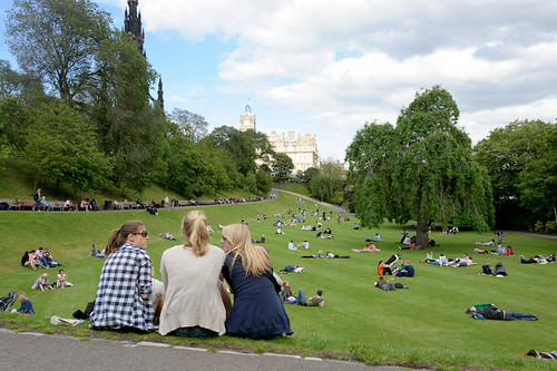 edinburgh gossip by ceesjw (Cees Wouda), on Flickr