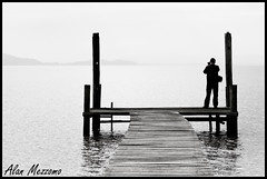 Morning Fog (Alan Mezzomo) Tags: morning blackandwhite bw white lake black water água branco fog geotagged lago grey pier dock nikon do photographer gray 85mm pb preto hills e neblina barra ribeiro cinza pretoebranco guaíba sfc fotógrafo manhã recanto morros borghetti d90 sulfotoclube barradoribeiro recantoborghetti geo:lat=30231397066725496 geo:lon=51329530896820074