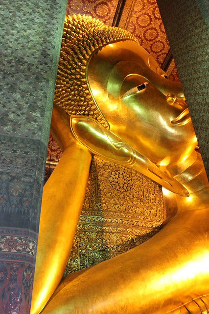 Huge Reclining Buddha at Wat Pho