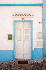 nº 33 (Natalia Romay Photography) Tags: street door travel blue summer portugal canon calle puerta 33 viajes porta verano trips rua algarve alte nataliaromay