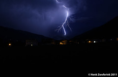 Onweer, Kapfing im Zillertal (Henk Zwoferink) Tags: holland im wolken thunderstorm lucht henk zillertal weer onweer gewiter ontlading kapfing bliksemschicht zwoferink