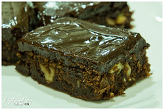 Walnut Brownies with Chocolate Ganache (Jeffrey.Teo) Tags: food cold home dessert oven sweet chocolate ganache walnut nuts cook teo gina eat jeffrey brownies lim baked edibles woonch