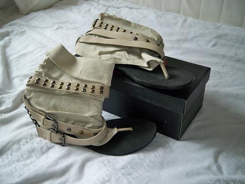 tReds Sandals