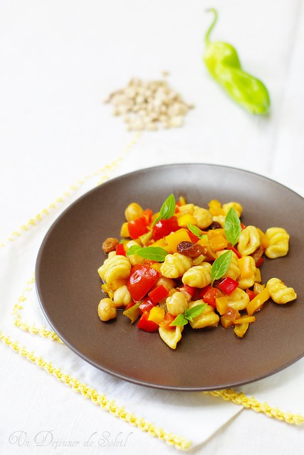 Chickpea gnocchi with peppers