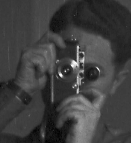 Self mirror portrait 35mm el 3.5 /40 detail