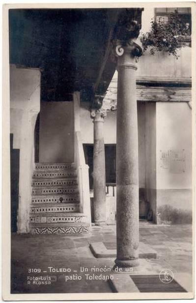 Patio toledano a comienzos del siglo XX.  Foto Alonso
