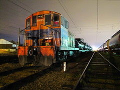 Fepasa, D-6125 en Arenal. (DeutzHumslet) Tags: chile yards night shot patio 1957 nocturna locomotive ge estacin arenal talcahuano fepasa d6125 74t