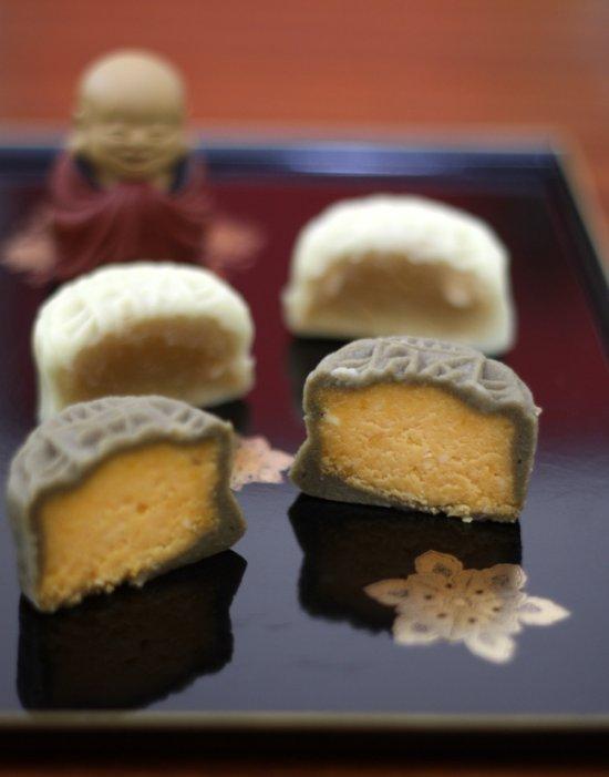 Li Yen mooncakes