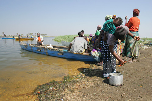 Small-scale fisheries, Zambia. Photo by Stevie Mann, 2007.