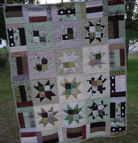 Stars & Strips baby quilt by hammskaren