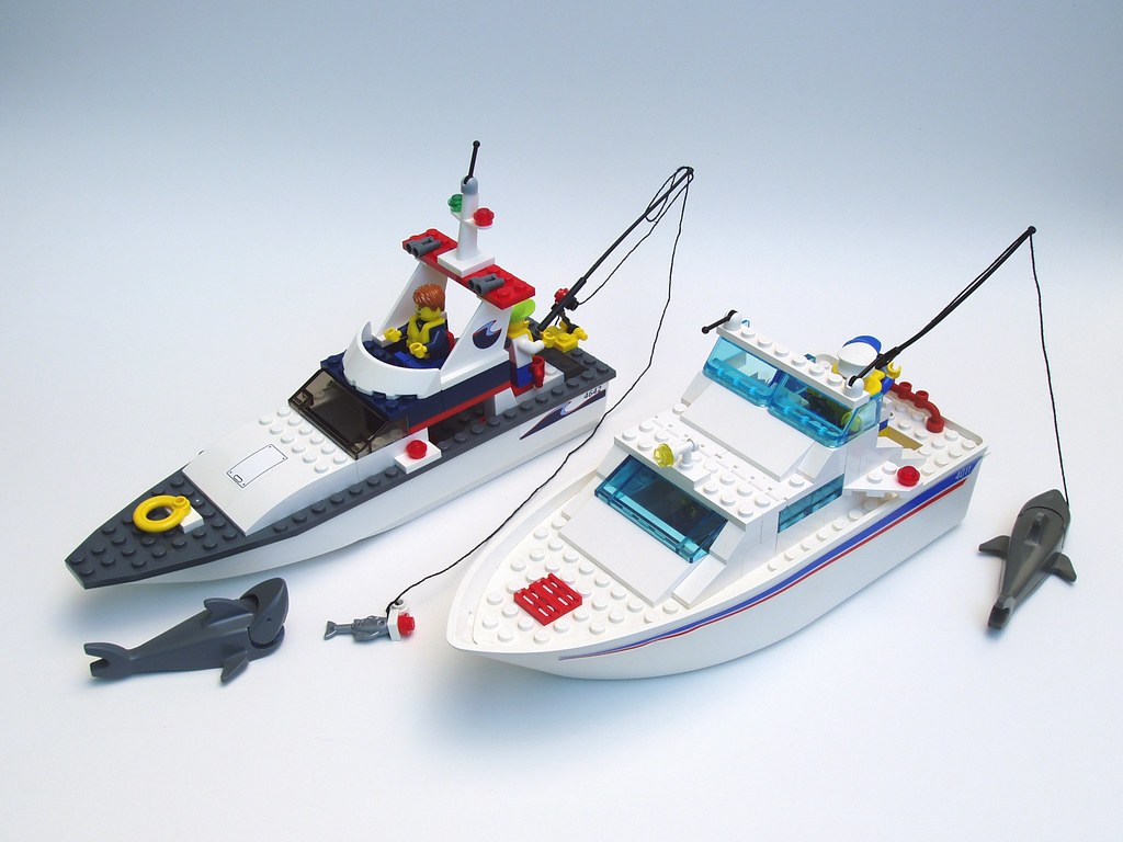 The world 39 s best photos of cabin and fishingboat flickr for Fishing lego set