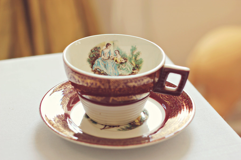 tea cup at le maître chocolatier