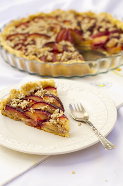 Mandli-ploomikook / Almond and plum pie