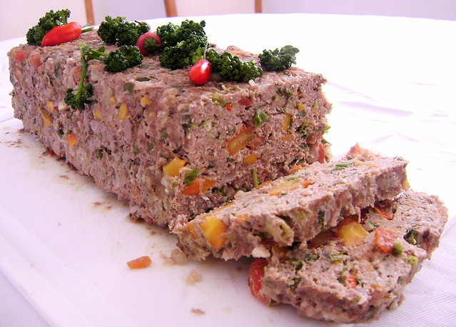 Bolo de carne e legumes