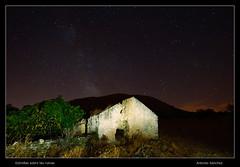 Estrellas sobre las ruinas (asanchezn) Tags: estrellas nocturnas circumpolar