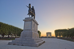 Louis XIV (www.Azety.fr) Tags: sunset france statue landscape king montpellier paysage coucherdesoleil louisxiv kingoffrance louis14 baladedupeyrou