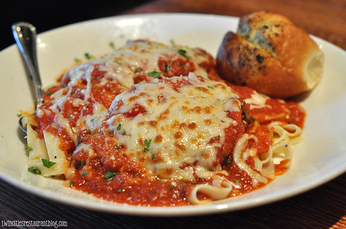Chicken Parmesan at Houlihan's ~ Eagan, MN