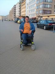 S6300327 (ampulove.net) Tags: above alex belgium wheelchair knee left amputee legless mariakerke
